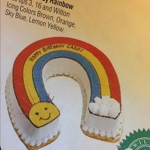 wilton Kitchen - Wilton cake pan rainbow 🌈 horseshoe